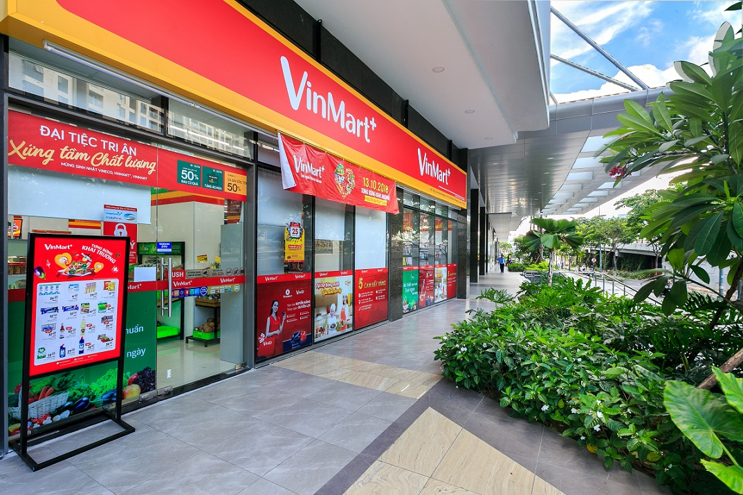 Siêu thị VinMart ngay tại khu thương mại Rivergate quận 4